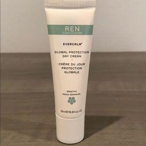 DELUXE SAMPLE Ren Evercalm Global Protection Cream
